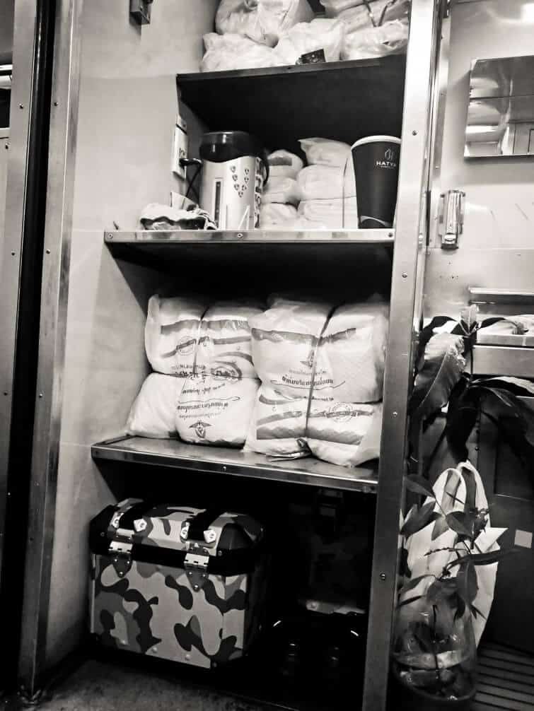 thailand-train-second-class-luggage-compartment
