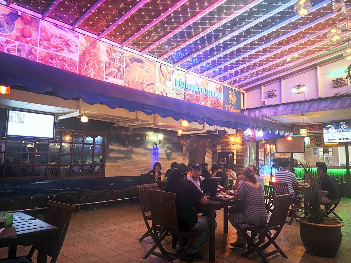 Blue Wave Lounge & Restaurant