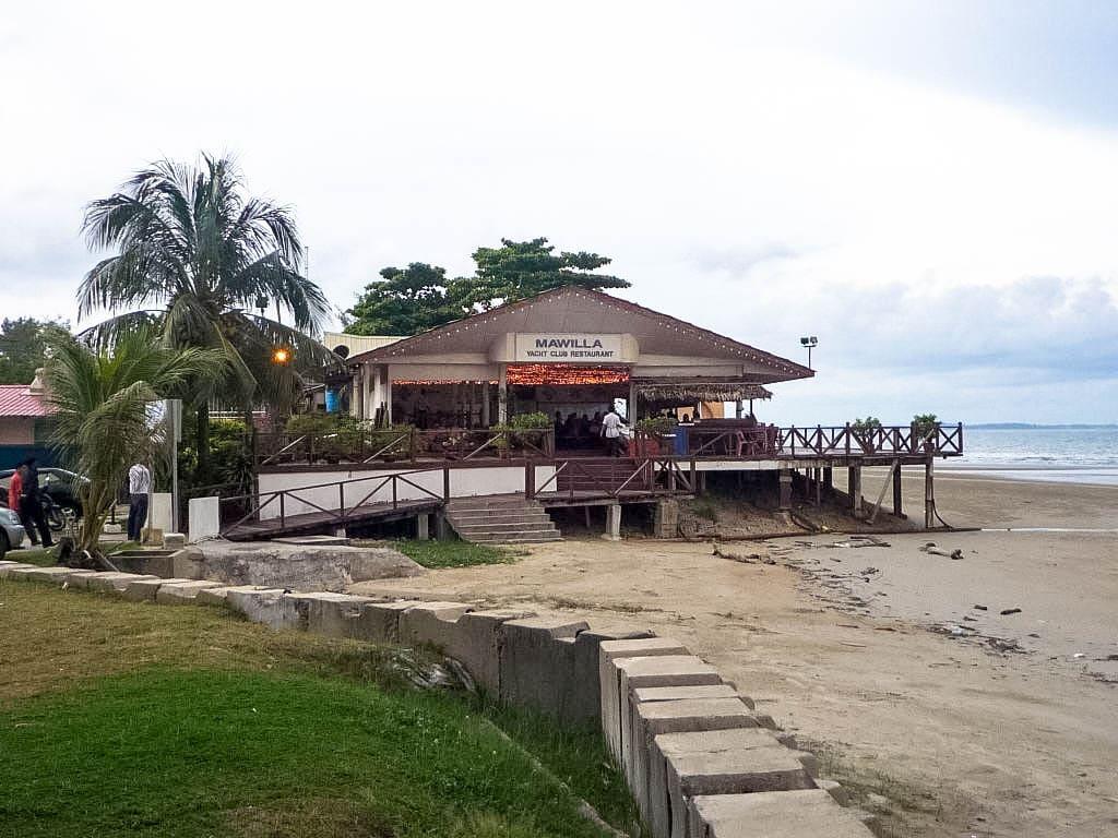 Mawilla Yacht Club Restaurant
