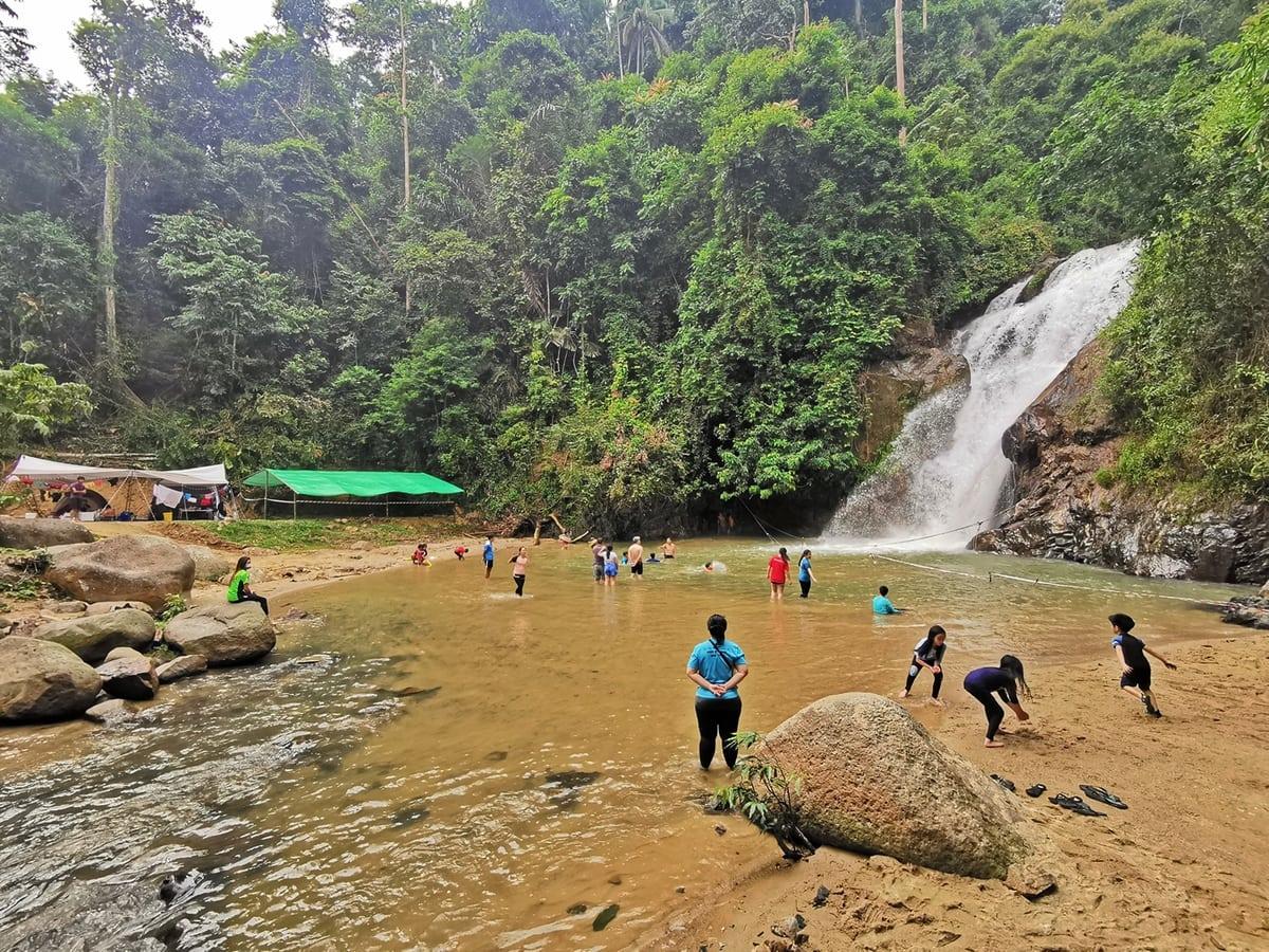 sg dua waterfall