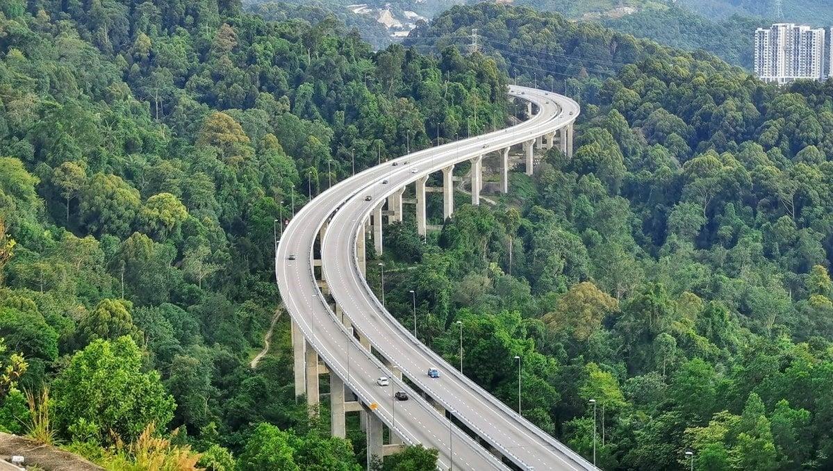 Hiking Rawang Bypass Viewpoint Via Bukit Matt Trail | Rider Chris