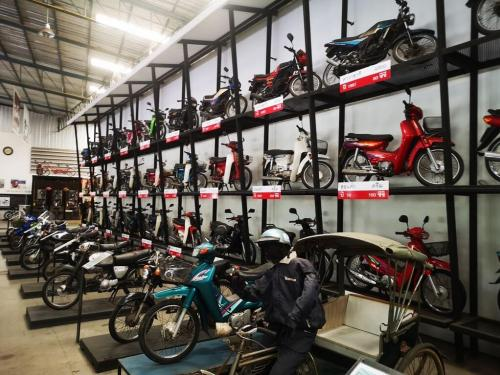 lhm-motorcycle-museum-8