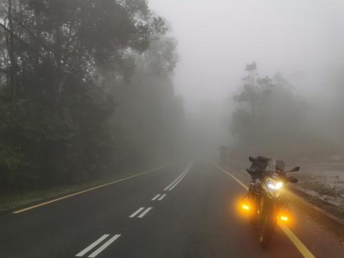 Thick fog as I reach close to the peak, which is 13KM from main road below
