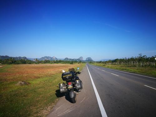 peninsular-malaysia-ride-padang-besar